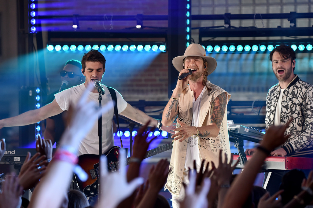 The Chainsmokers Team Up With Florida George Line to Bring EDM to the CMT Music Awards 2017