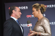 Christopher Meloni (L) and Brooke Baldwin speak on the carpet during CNN Heroes 2017 at the American Museum of Natural History on December 17, 2017 in New York City. 27437_016