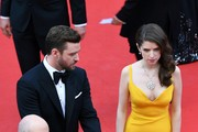 (From L) US producer Jeffrey Katzenberg, US actor and singer Justin Timberlake and US actress and singer Anna Kendrick pose as they arrive on May 11, 2016 for the opening ceremony for the 69th Cannes Film Festival, southern France.  / AFP / Antonin THUILLIER