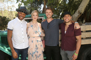 Caitlin Fitzgerald Lifetime's 'UnREAL' Cast and Producers Kickoff Summer on a Group Date at Malibu Wines Safari