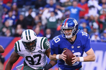 Calvin Pace New York Jets v New York Giants