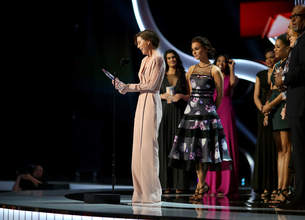 People's Choice Awards Show [entertainment,performance,performing arts,event,fashion,heater,stage,fashion design,performance art,musical theatre,award,l-r,favorite network tv drama,peoples choice awards,show,actors,ellen pompeo,kelly mccreary,james pickens jr.,camilla luddington]