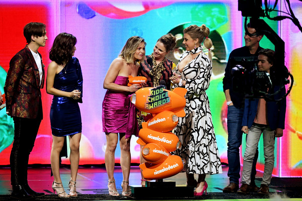 Nickelodeon's 2019 Kids' Choice Awards - Show [favorite funny tv show,performance,event,musical,fashion,stage,fun,performing arts,talent show,fashion design,performance art,soni bringas,michael campion,jodie sweetin,scott weinger,kids choice awards,award,l-r,nickelodeon,show]