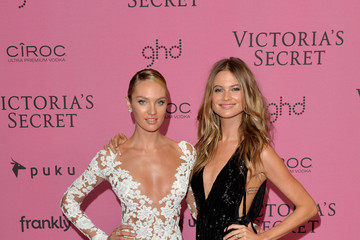 Candice Swanepoel Behati Prinsloo Arrivals at the Victoria's Secret Fashion Show