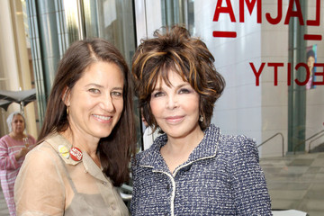 Carole Bayer Sager Katherine Ross LACMA's Director Circle Debuts the Spring 2015 Wear LACMA Collection Featuring Designs By dosa And FREECITY