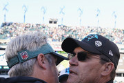 (L-R) Head coach Doug Pederson of the Philadelphia Eagles congratulates head coach Ron Rivera of the Carolina Panthers on their win after the fourth quarter at Lincoln Financial Field on October 21, 2018 in Philadelphia, Pennsylvania. The Panthers won 21-17.