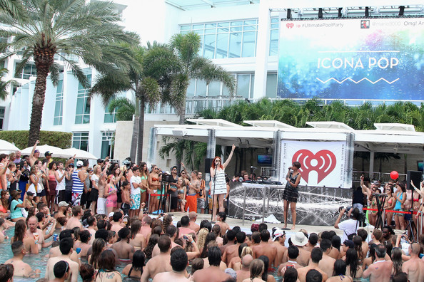 Caroline hjelt photos photos iheartradio ultimate pool for Ultimate pool show