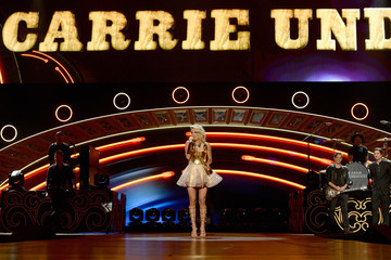 Carrie Underwood 2016 American Country Countdown Awards - Show