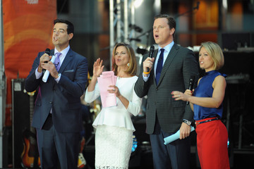 Carson Daly Maroon 5 Performs on the 'Today' Show