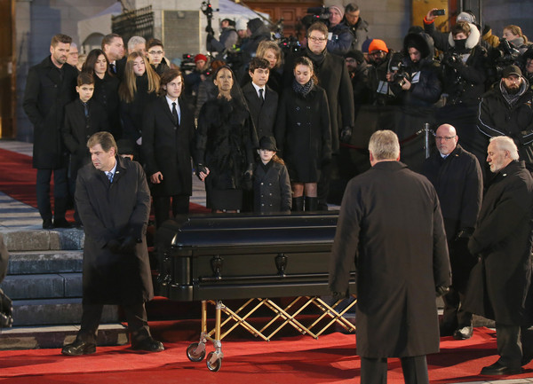 50375f6db6 Celine Dion Photos Photos - State Funeral Service for Celine Dion s ...