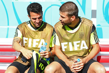 Cesc Fabregas Gerard Pique Australia v Spain: Group B - 2014 FIFA World Cup Brazil