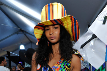Chanel Iman Moschino Spring/Summer 17 Menswear And Women's Resort Collection - Backstage