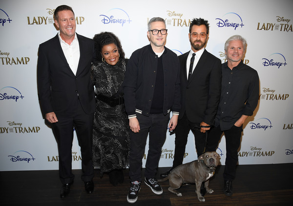 """Cinema Society Hosts Special Screening Of Disney+'s """"Lady And The Tramp"""" - Red Carpet [lady and the tramp,event,canidae,sporting group,yvette nicole brown,justin theroux,charlie bean,kevin a. mayer,brigham taylor,l-r,screening,cinema society hosts special screening of disney,red carpet]"""