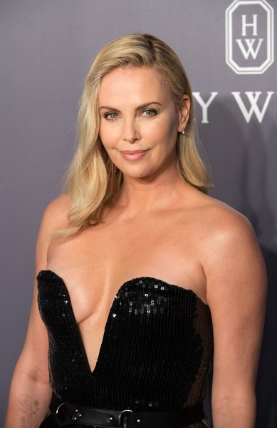 Charlize Theron Photos Photos Amfar Hong Kong 2017 Zimbio
