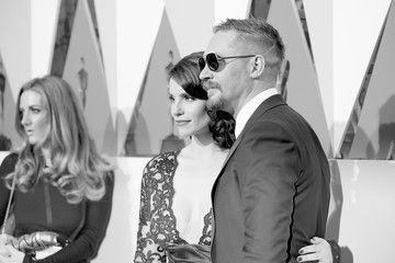Charlotte Riley Alternative Views of the 2016 Oscars Stage