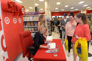 Chelsea Handler Chelsea Handler Hangs Out at Target
