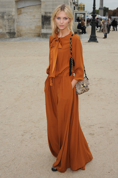 Anja Rubik arrives for the Chloe Ready to Wear Spring/Summer 2011 show during Paris Fashion Week at Espace Ephemere Tuileries on October 4, 2010 in Paris, France.
