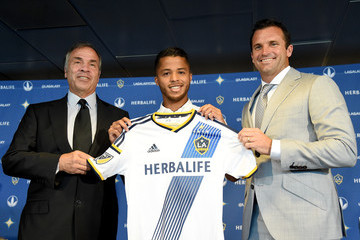 Chris Klein Los Angeles Galaxy Introduce Giovani Dos Santos