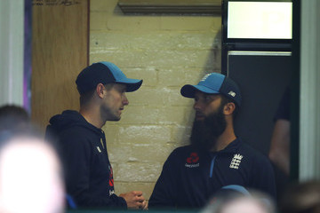 Chris Woakes Moeen Ali Australia v England - Fifth Test: Day 1