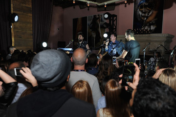 Chris Wood Dan Smith Bastille Performs an Intimate Show as Part of Starwood Preferred Guest's Hear the Music, See the World Concert Series