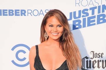 Chrissy Teigen The Comedy Central Roast Of Justin Bieber - Arrivals