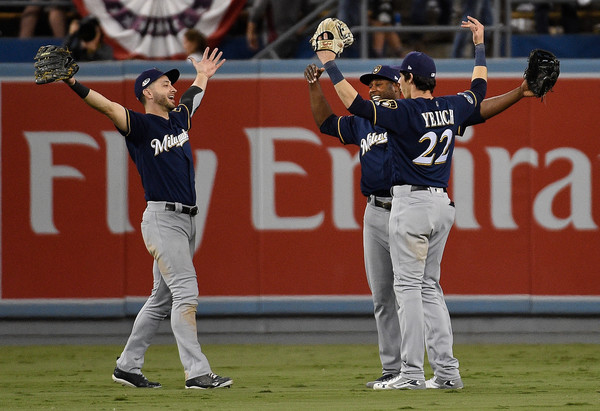 League Championship Series - Milwaukee Brewers vs. Los Angeles Dodgers - Game Three