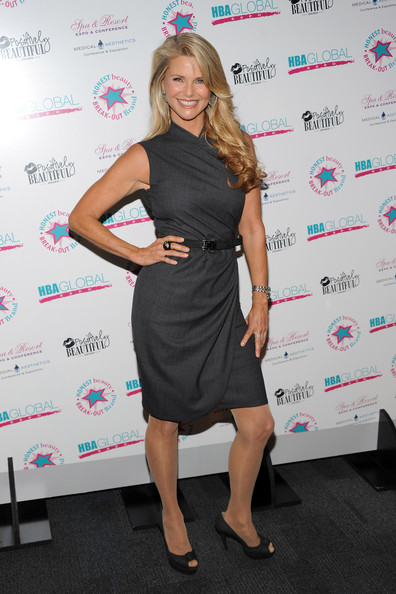 Christie Brinkley Presented With Hba Globals Positively Beautiful