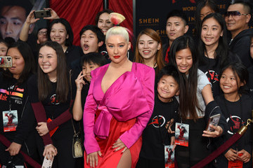 "Christina Aguilera Disney's ""Mulan"" World Premiere - Red Carpet - Fan Pen"