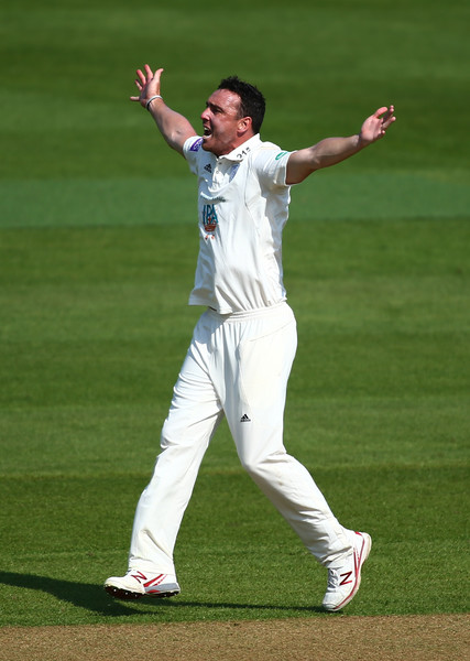 Surrey Vs. Hampshire - Specsavers County Championship: Division One []
