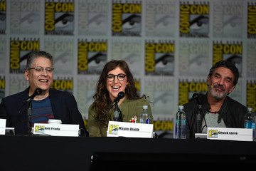 Chuck Lorre Mayim Bialik Comic-Con International 2015 - Inside 'The Big Bang Theory' Writer's Room