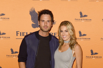 Chuck Wicks Jason Aldean and the Country Music Hall of Fame & Museum Surprise Fans With  Free Concert In Support Of His New Exhibition Jason Aldean: Asphalt Cowboy, Presented by Field & Stream