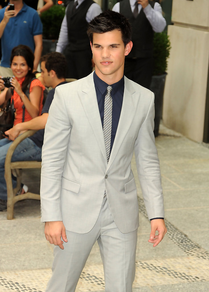 taylor lautner photos photos the cinema society