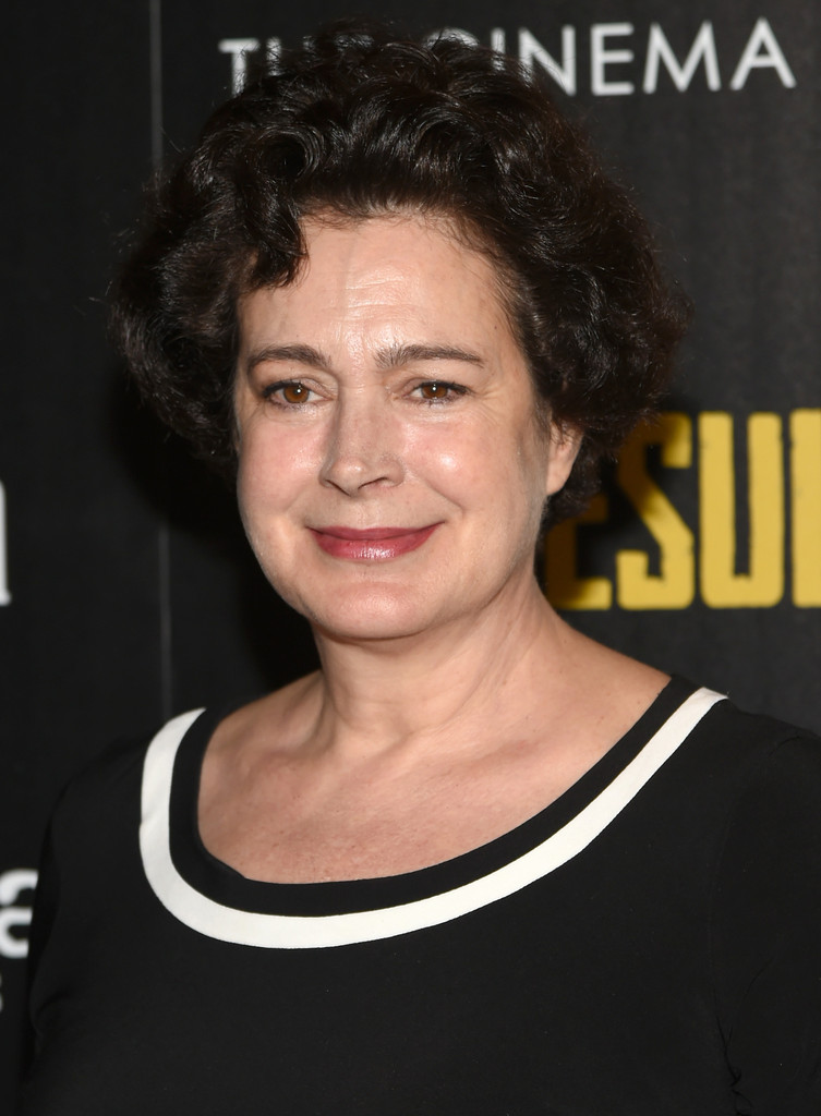Actress Sean Young demands apology from The Academy after
