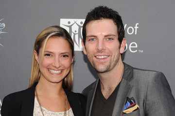 Chris Mann Laura Liz Perloe City of Hope Honors Shelli And Irving Azoff With The 2011 Spirit Of Life Award - Red Carpet