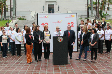 """Ana Maria Polo Sue Schwartz The City Of LA Declares Friday, September 10th As """"Stand Up To Cancer Day"""""""