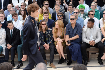 Clara Paget Burberry Menswear Spring/Summer 2016 - Front Row & Show