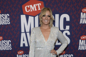 Clare Dunn 2019 CMT Music Awards - Executives