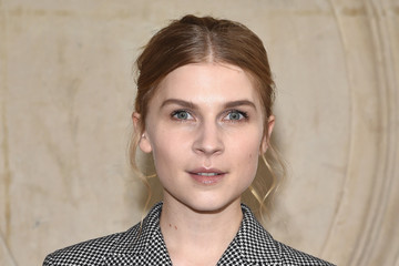 Clemence Poesy Christian Dior : Photocall - Paris Fashion Week Womenswear Fall/Winter 2017/2018