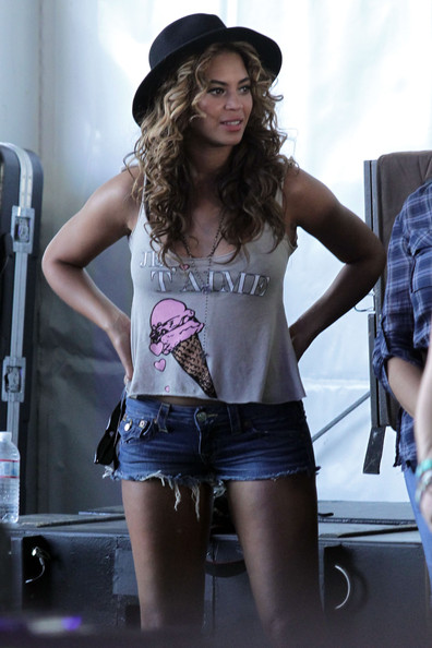 Beyonce Knowles Singer Beyonce backstage during Day 1 of the Coachella ...