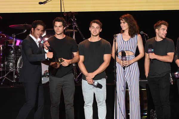 MTV Fandom Fest Performances [event,performance,musical ensemble,backing vocalist,music,singing,musician,talent show,performing arts,singer,tyler posey,shelley hennig,dylan sprayberry,cody christian,dylan obrien,l-r,san diego,california,mtv,fandom fest performances]