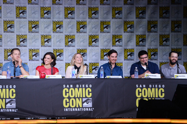 Comic-Con International 2016 - 'Once Upon A Time' Panel [once upon a time,news conference,event,world,team,banner,advertising,yvette nicole brown,actors,writer/producers,josh dallas,edward kitsis,l-r,san diego convention center,panel,comic-con international]