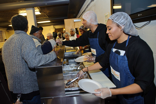 Feeding America & The Greater Chicago Food Depository Team Up With the Common Ground Foundation to Serve Meals Before Thanksgiving