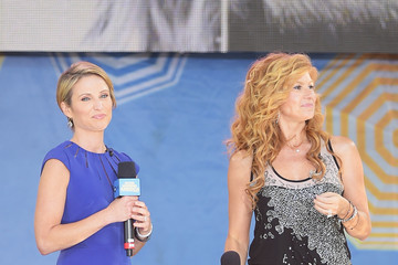 Connie Britton Luke Bryan Performs on 'Good Morning America'