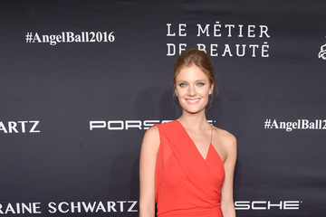 Constance Jablonski Gabrielle's Angel Foundation For Cancer Research Hosts Angel Ball 2016 - Arrivals