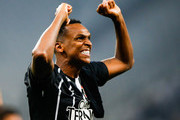 Jo of Corinthians celebrates after winning the Brasileirao Series A 2017 during the match against Fluminense at Arena Corinthians Stadium on November 15, 2017 in Sao Paulo, Brazil.