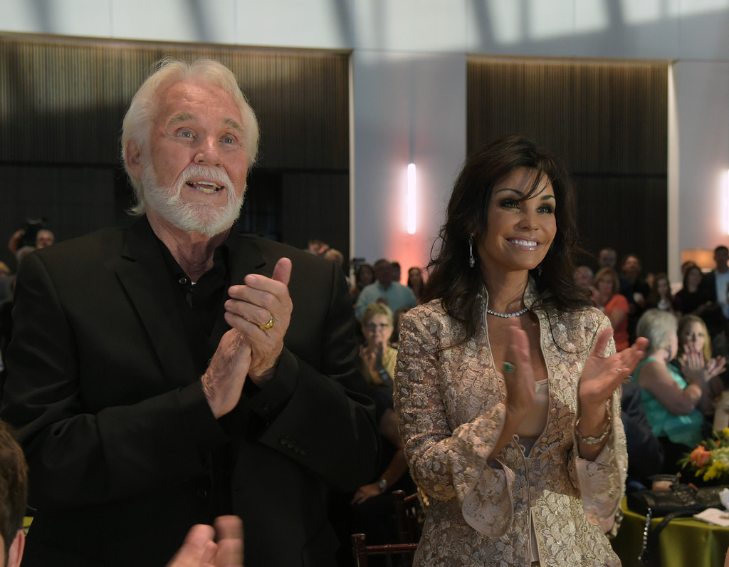 kenny rogers and wanda miller relationship goals