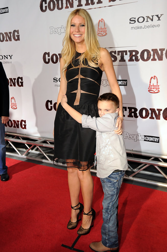 Gwyneth Paltrow in Country Strong Premiere With Gwyneth ...