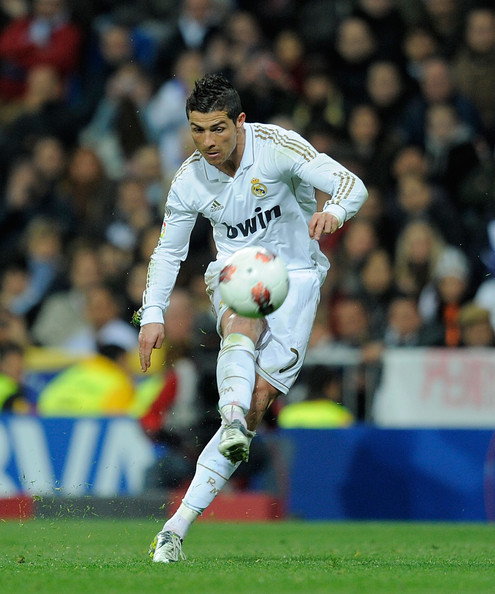 HD Wallpapers Cristiano Ronaldo Hairstyle Zimbio Ifdesktophdbcf - Hairstyle cr7 2012