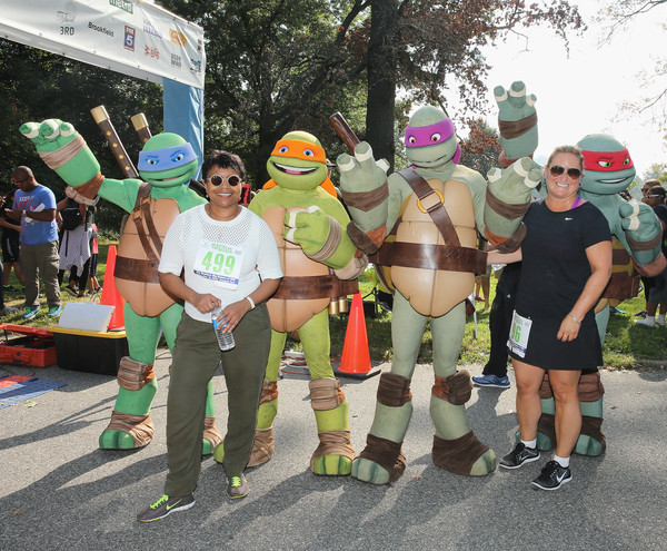 Nickelodeon's 12th Annual Worldwide Day of Play [worldwide day of play,footwear,muscle,event,tree,parade,costume,team,festival,recreation,personal protective equipment,cyma zarghami,marva smalls,president,executive vice president of public affairs,prospect park,new york city,nickelodeon,nickelodeon kids,l]