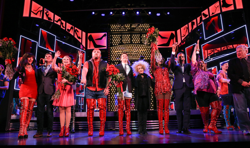 Cyndi lauper photos photos cyndi lauper harvey for Cyndi lauper broadway kinky boots